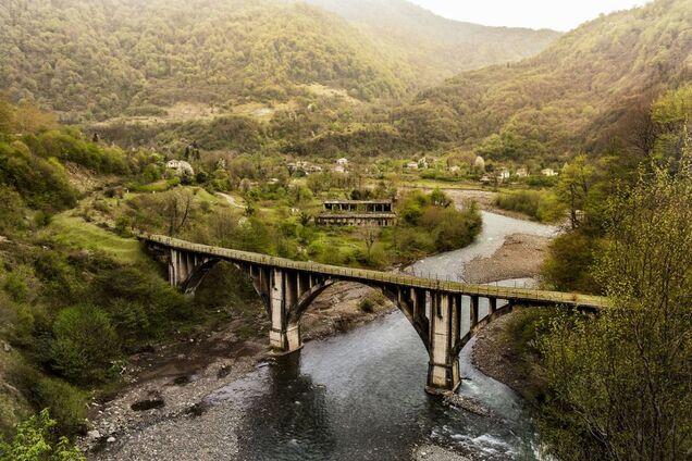 ''Страна-призрак'': как выглядит разрушенная ''русским миром'' Абхазия