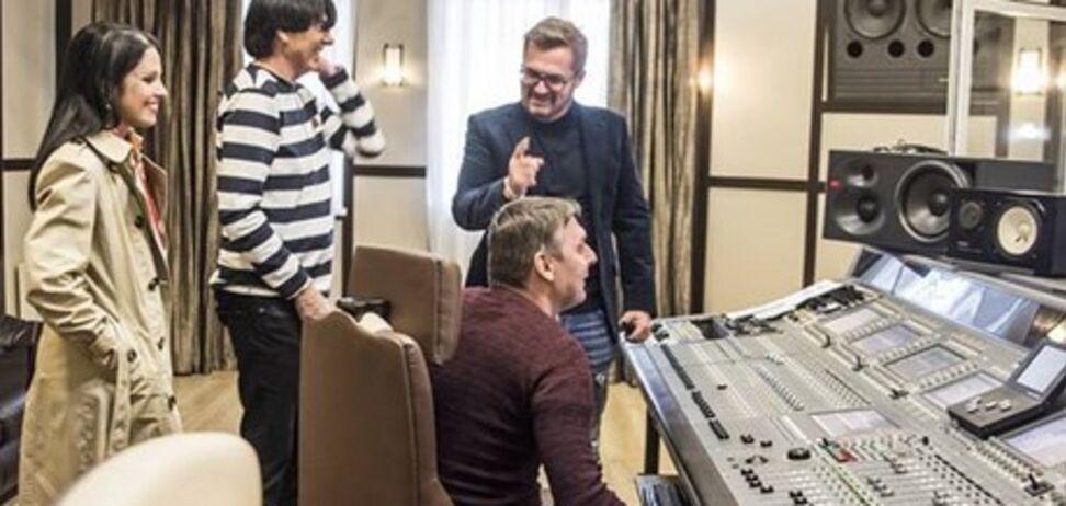 Встреча с легендой: украинский певец заинтриговал проектом с известным коллегой
