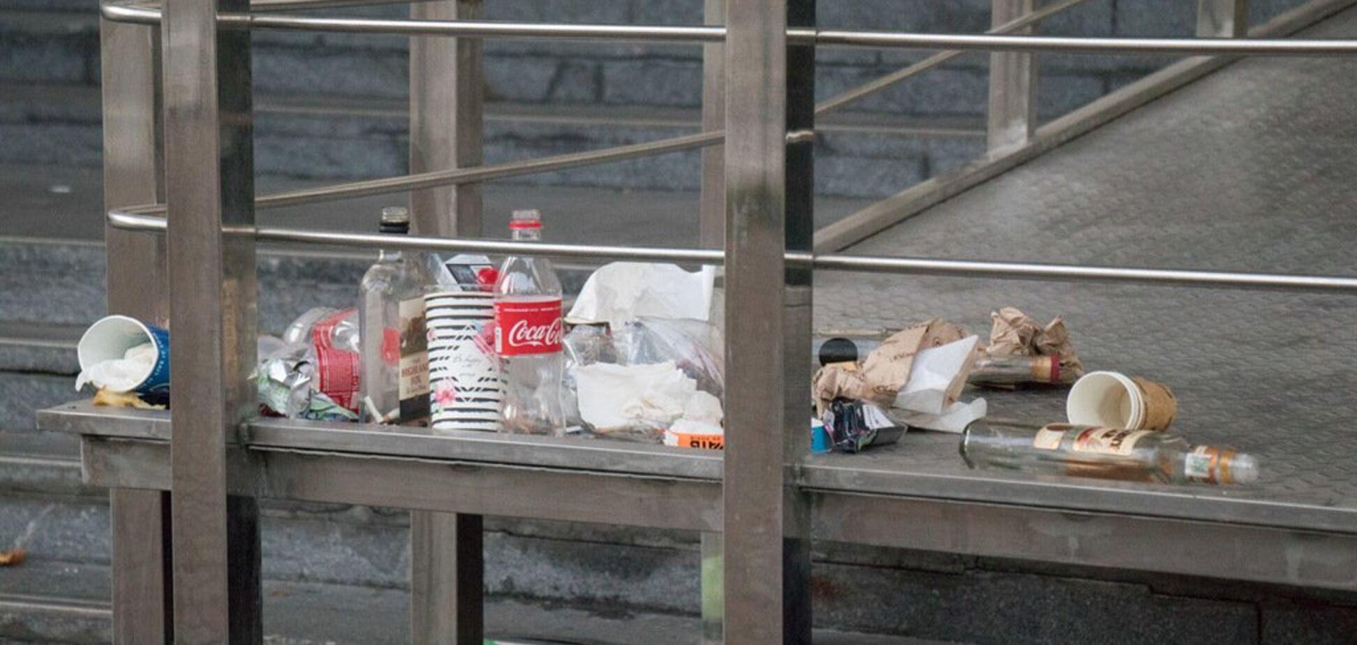 Погром и горы мусора: во что фанаты Иглесиаса превратили НСК ''Олимпийский''