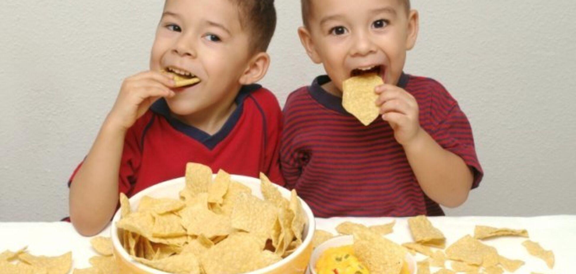 Заборона на продаж чіпсів дітям: у МОЗ зробили заяву
