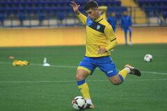 Футболист сборной Украины забил роскошный гол Италии - видеофакт