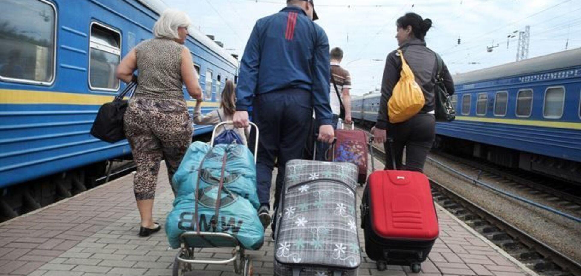 Бесплатное жилье для переселенцев: Порошенко подписал нужный закон