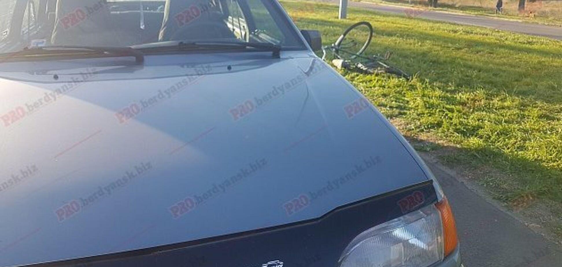 В Запорожской области велосипедист угодил под колеса легковушки