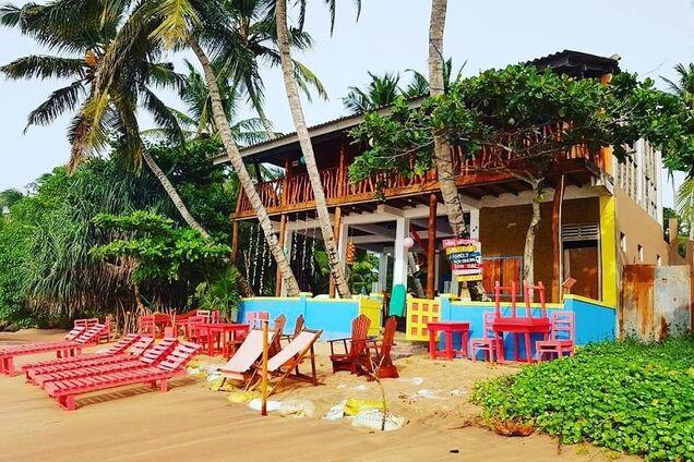 На Шри-Ланке молодожены из Англии по пьяни купили отель
