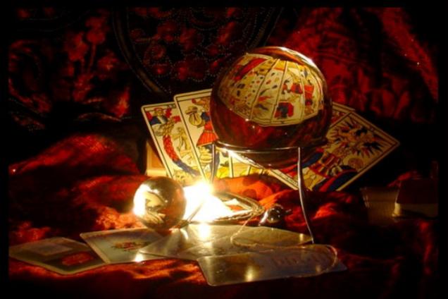 Гороскоп на 13 октября по картам Таро: что готовит этот день