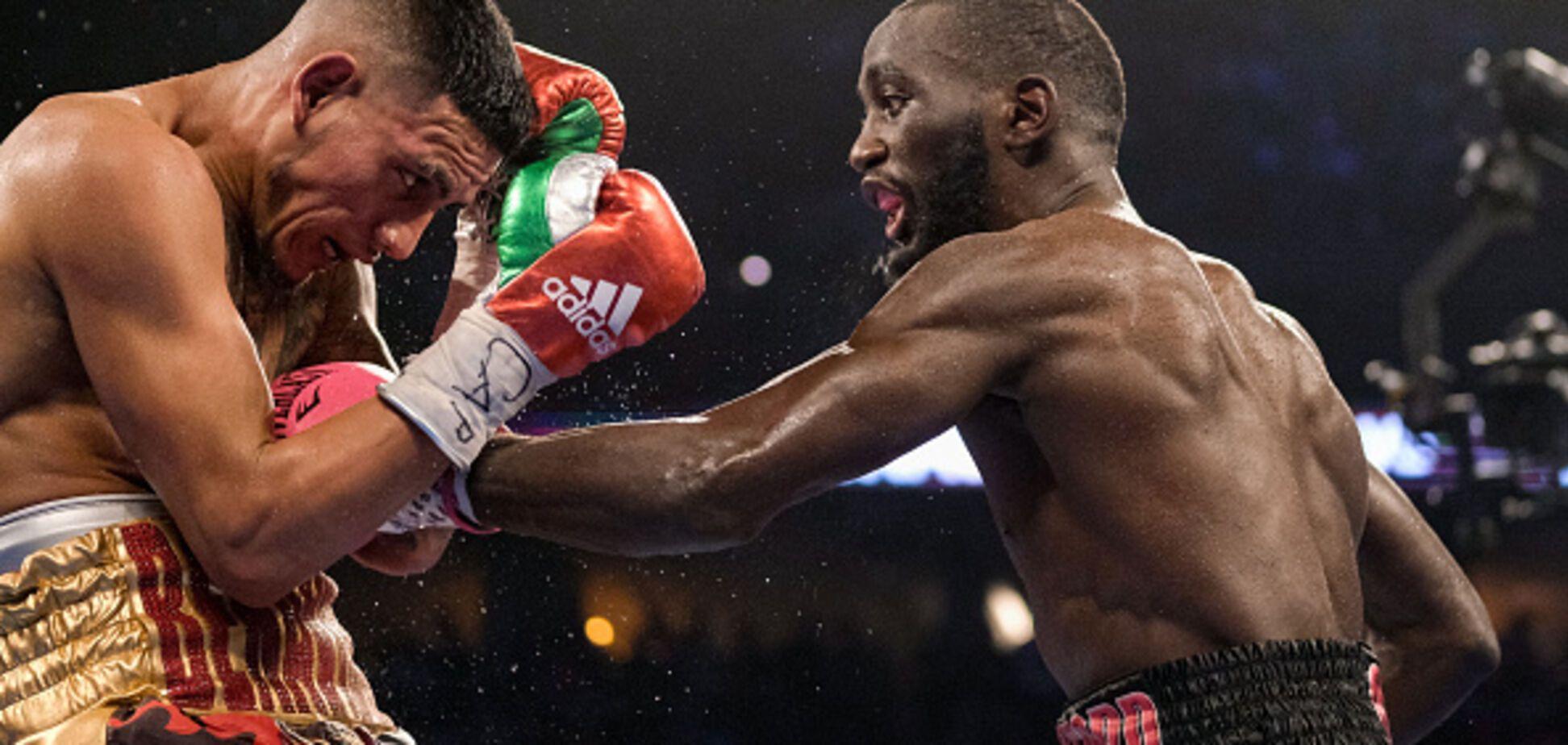 Чемпіон світу ефектно нокаутував суперника за секунди до кінця бою