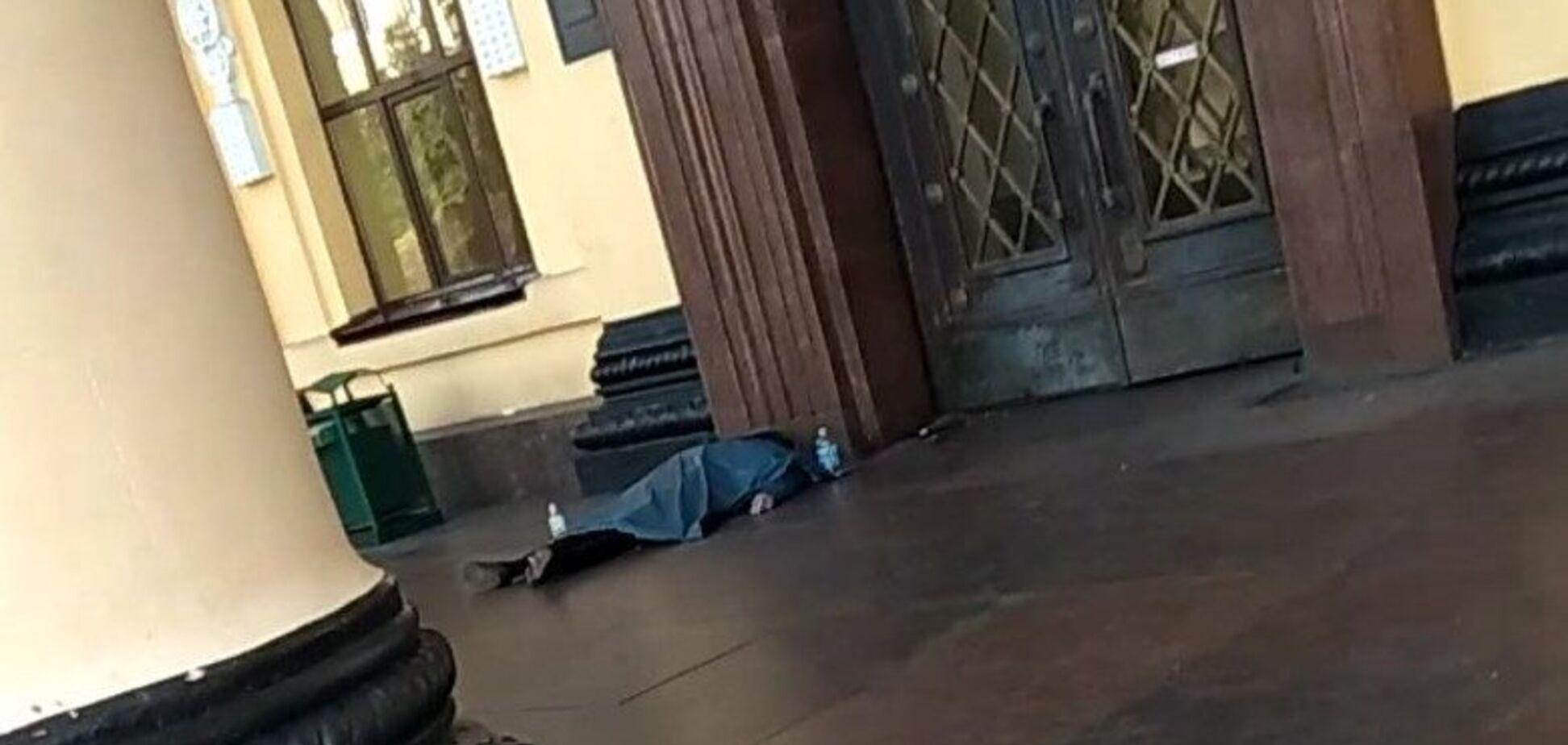 У Харкові на вокзалі знайшли труп: фото
