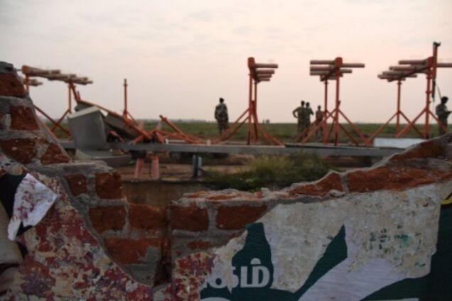 В Индии самолет с пассажирами врезался в стену: в сети скандал