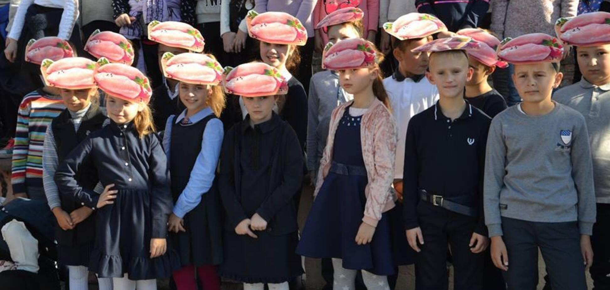 ''Це точно філе на голові?'' Рекордна акція із дітьми в Івано-Франківську викликала подив українців