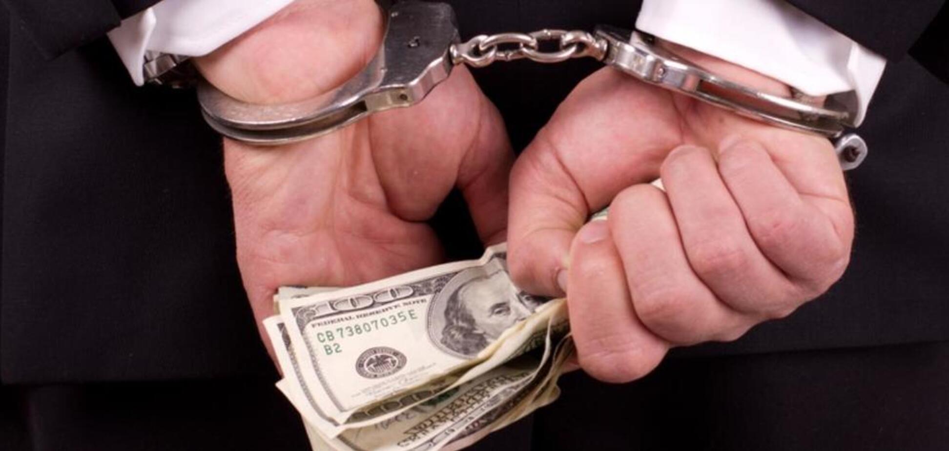 Вимагав $150 тис: хабарника-''рішалу'' із ДАБІ спіймали на гарячому