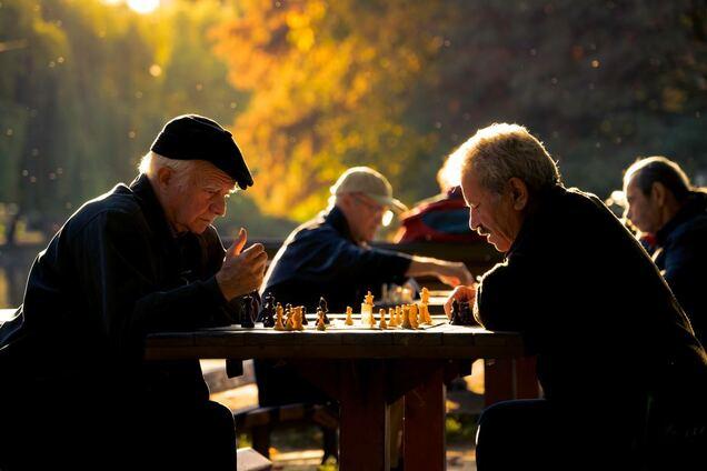 Як допомогти пенсіонеру: п'ять реальних способів