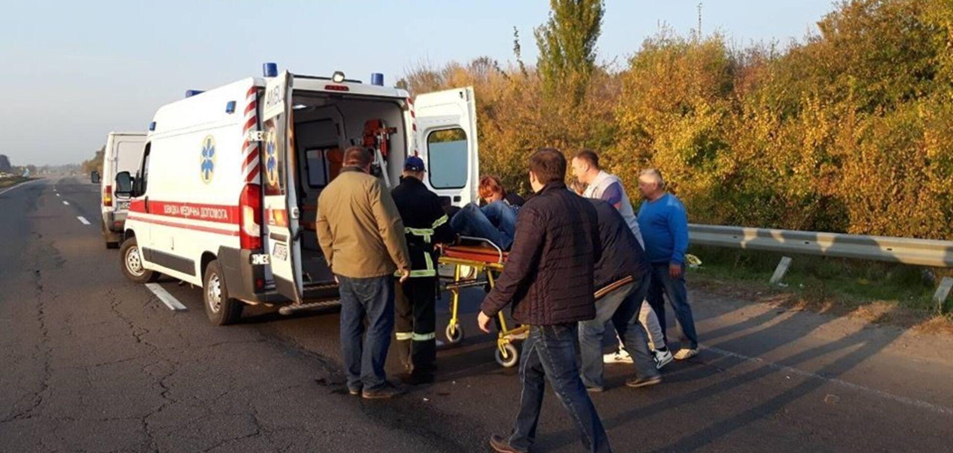 На Черкащині сталася смертельна ДТП з групою з 17 дітей: фото і відео