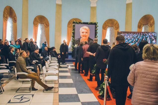 Звезды рыдали: в Киеве простились с Мариной Поплавской