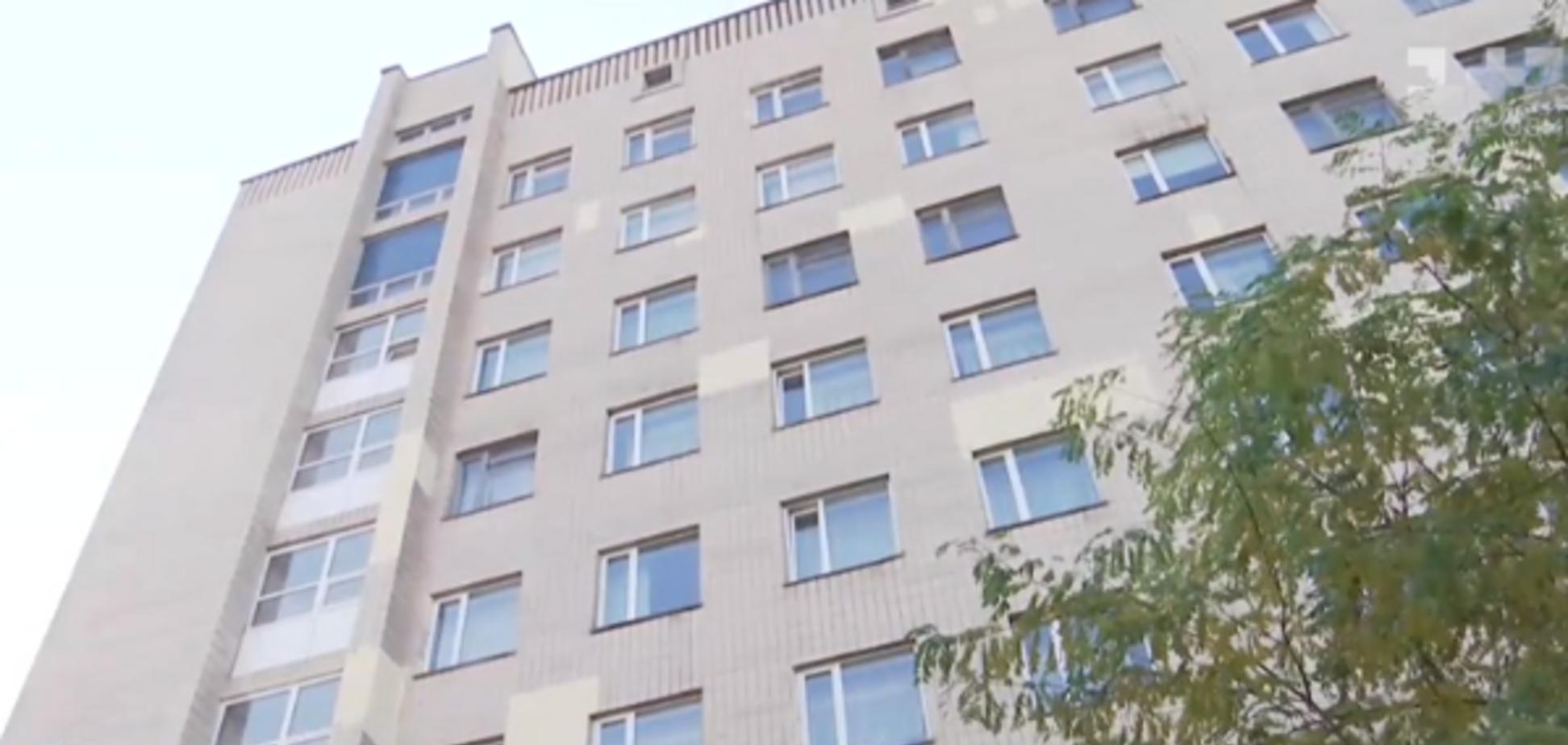 Мама двійні стрибнула з 7-го поверху пологового будинку: деталі шокуючої трагедії у Києві