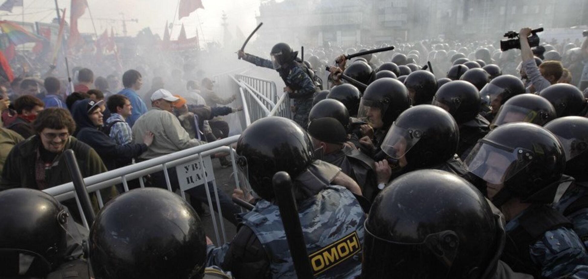 'Безглуздий і нещадний': бунти у Росії висміяли їдкою карикатурою