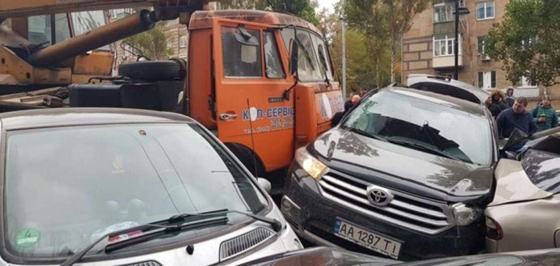 Місиво з 19 авто у Києві: адвокат сказав, хто заплатить потерпілим