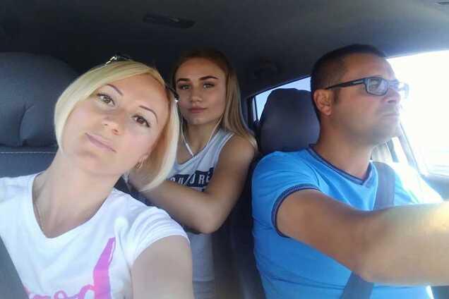 Виктория, Алина и Сергей Керовы