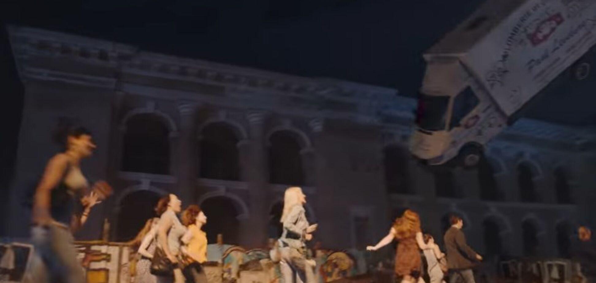 Французы сняли рекламу в Киеве под песню российской армии