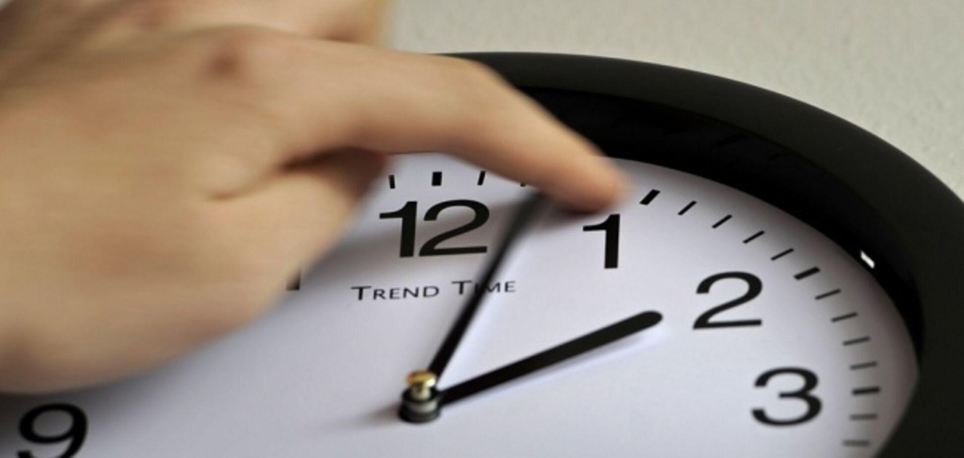 Перевод часов на зимнее время: нужно ли это делать в Украине