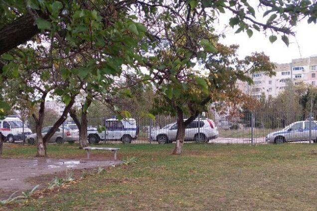 Детей экстренно эвакуировали: в школе Крыма новое ЧП
