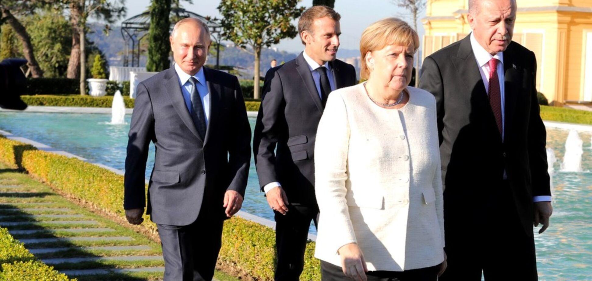 ''Знову не дотягли'': черговий трюк зі зростом Путіна підняли на сміх. Фотофакт