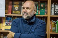''Купують статус'': український письменник розповів, як Кремль підкорює собі світ