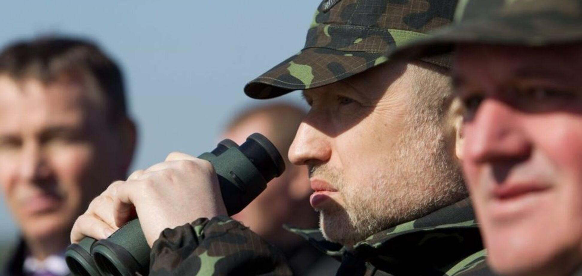 'Росія стягнула війська на кордон з Україною': Турчинов заявив про загрозу вторгнення