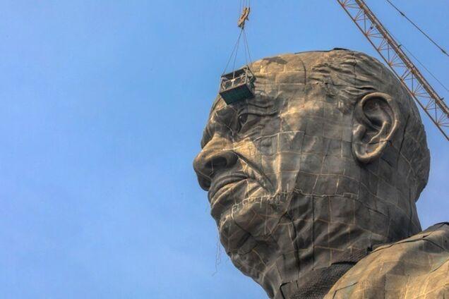 В Индии достроили самую высокую статую в мире: впечатляющие фото