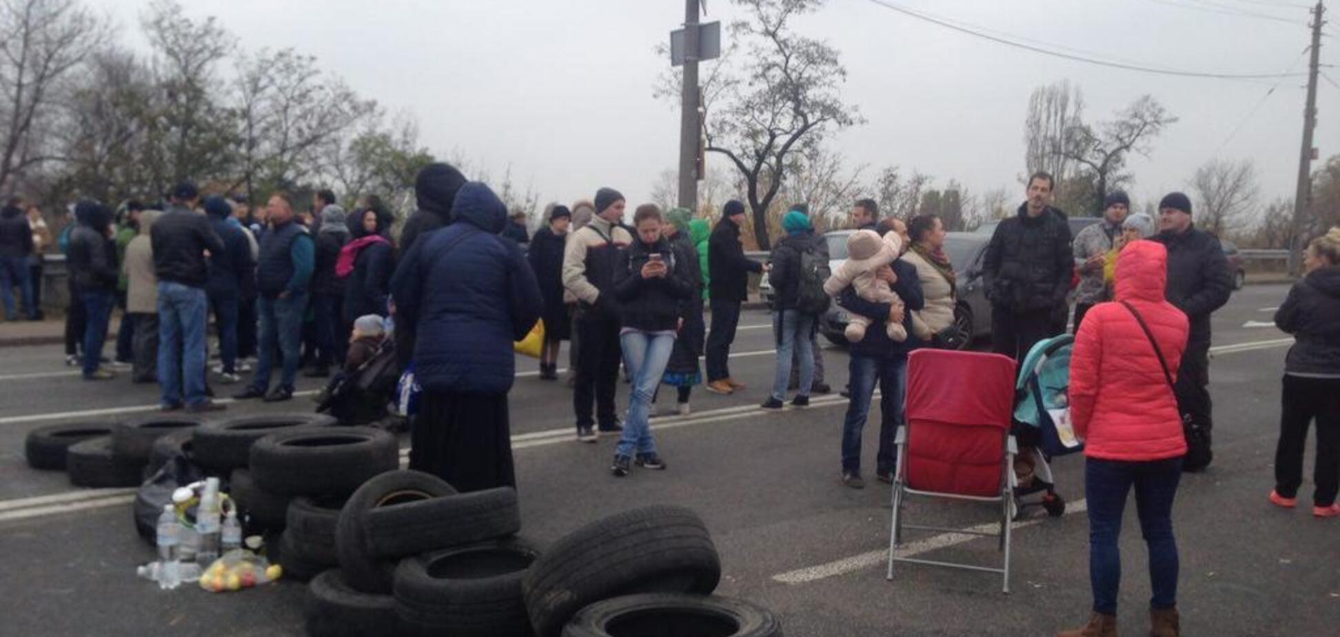 У Києві мешканці ЖК Войцеховського влаштували транспортний апокаліпсис: усі подробиці