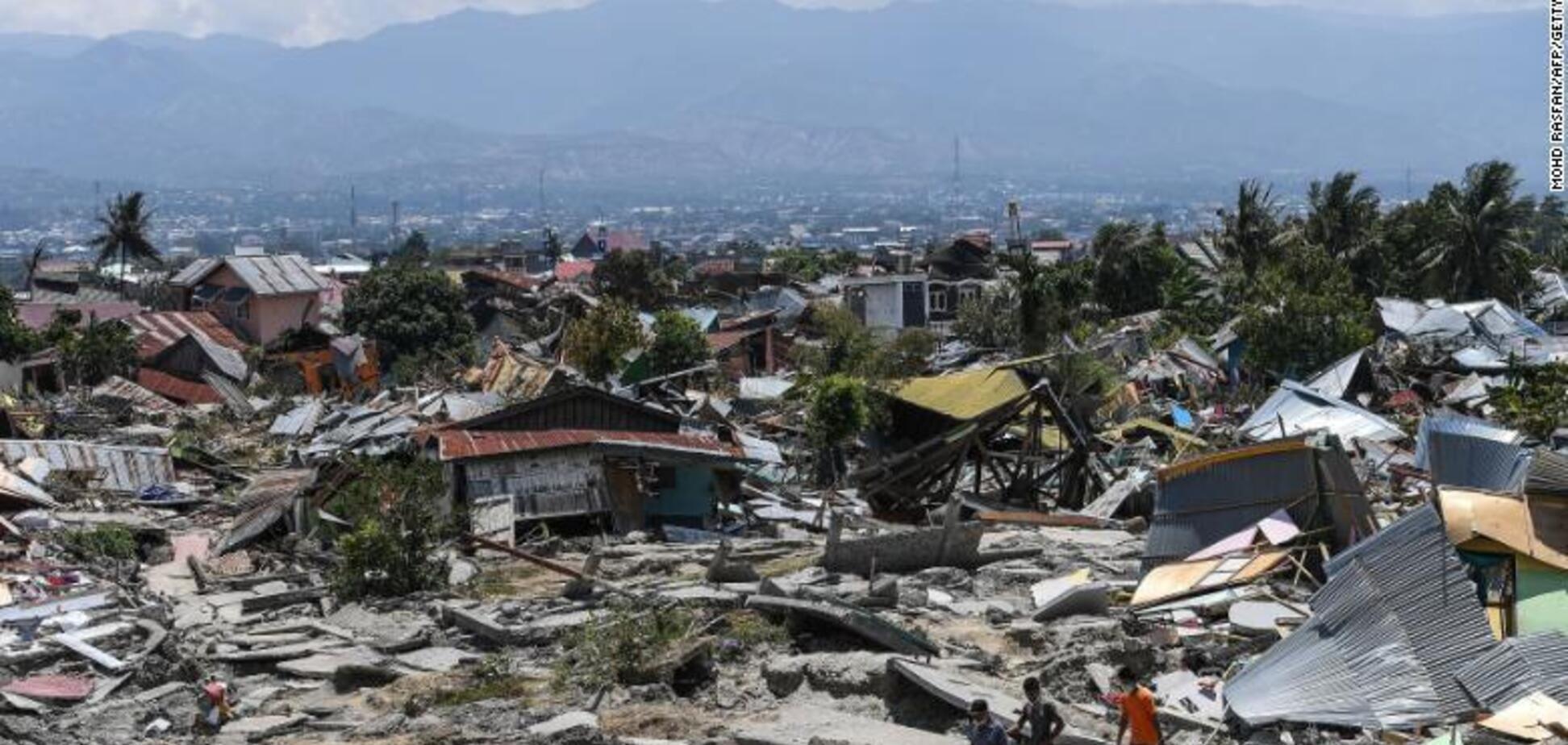 ''Індонезія для нас близька'': Порошенко закликав допомогти постраждалим від катаклізмів