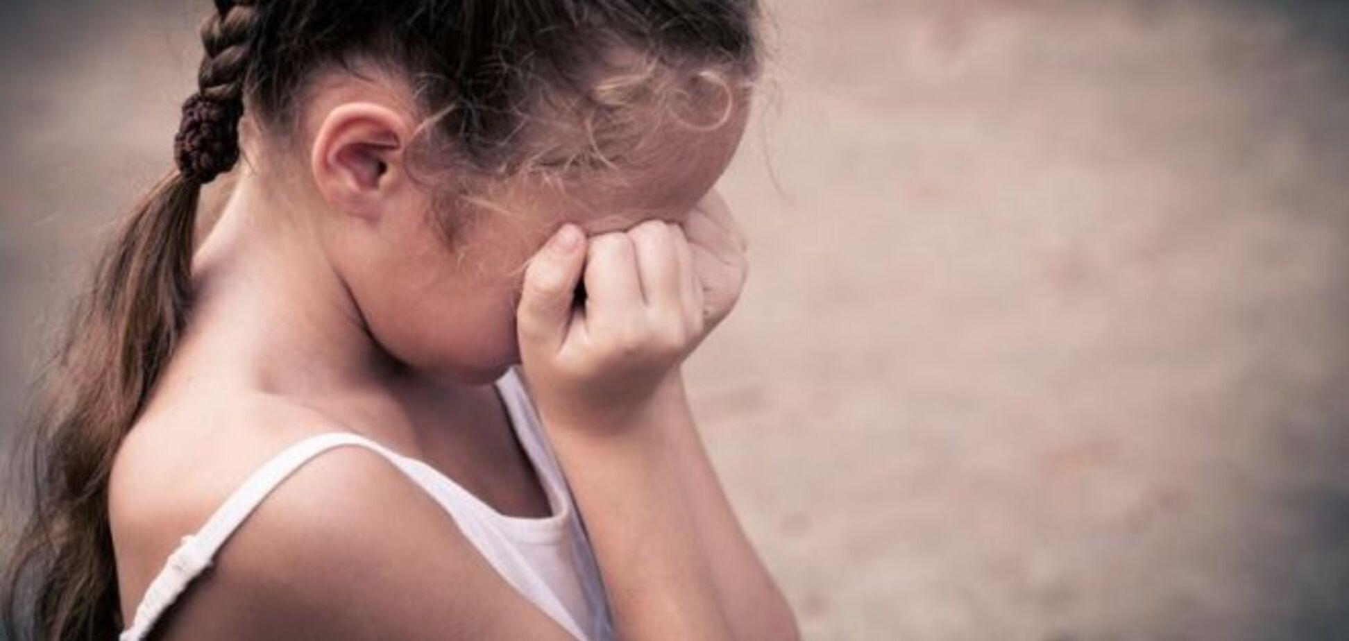 ''Придумал игру'': на Киевщине россиянин год совращал 7-летнюю девочку