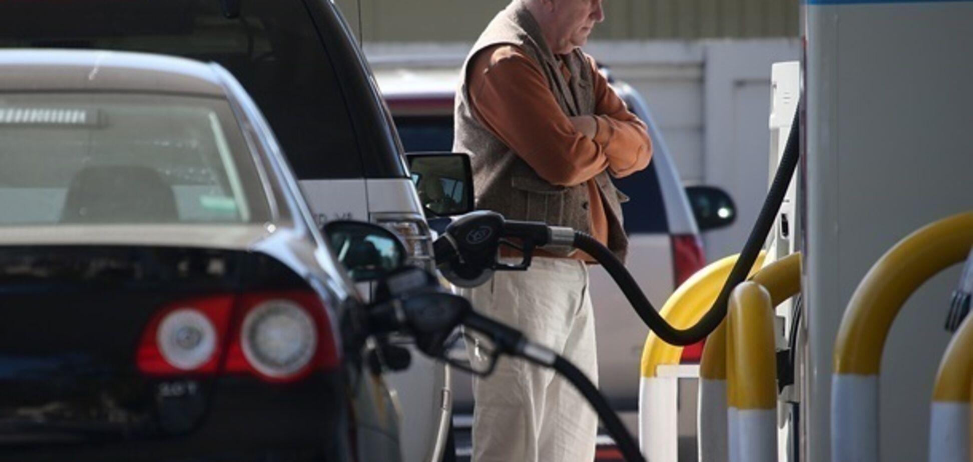 ''Барьер пробит'': крымчане возмутились повышением цен на бензин