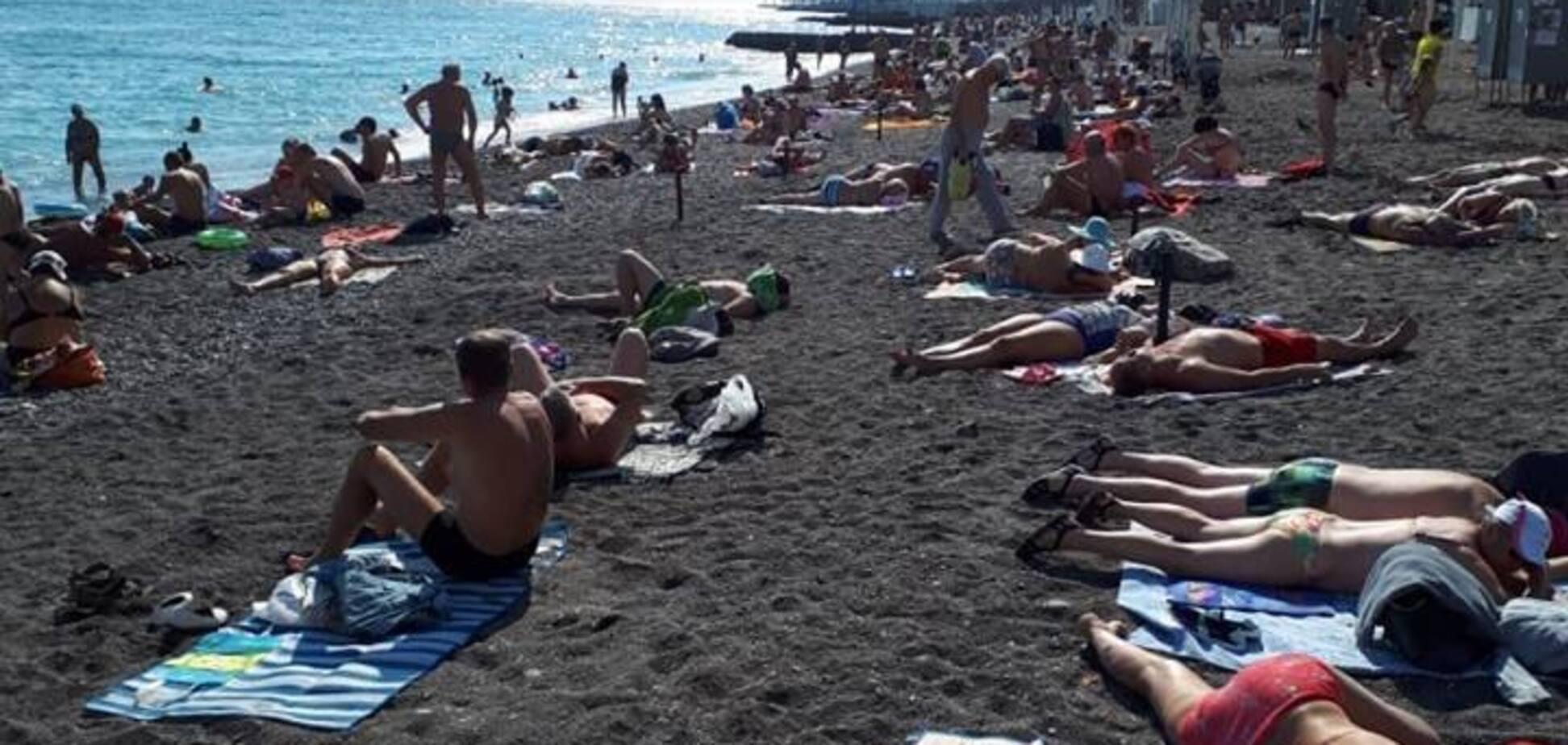 ''І це дешево?!'' Людину Путіна загнобили за мажорний відпочинок у Криму