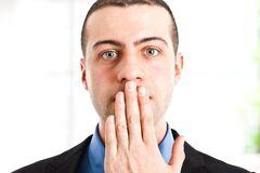 Запах изо рта: причины
