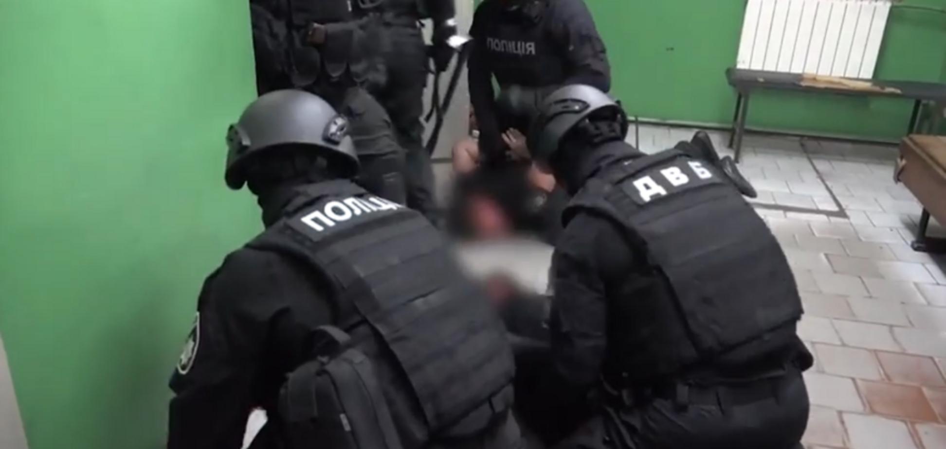 Избивали пассажиров метро: суд вынес решение по копам-вымогателям из Харькова