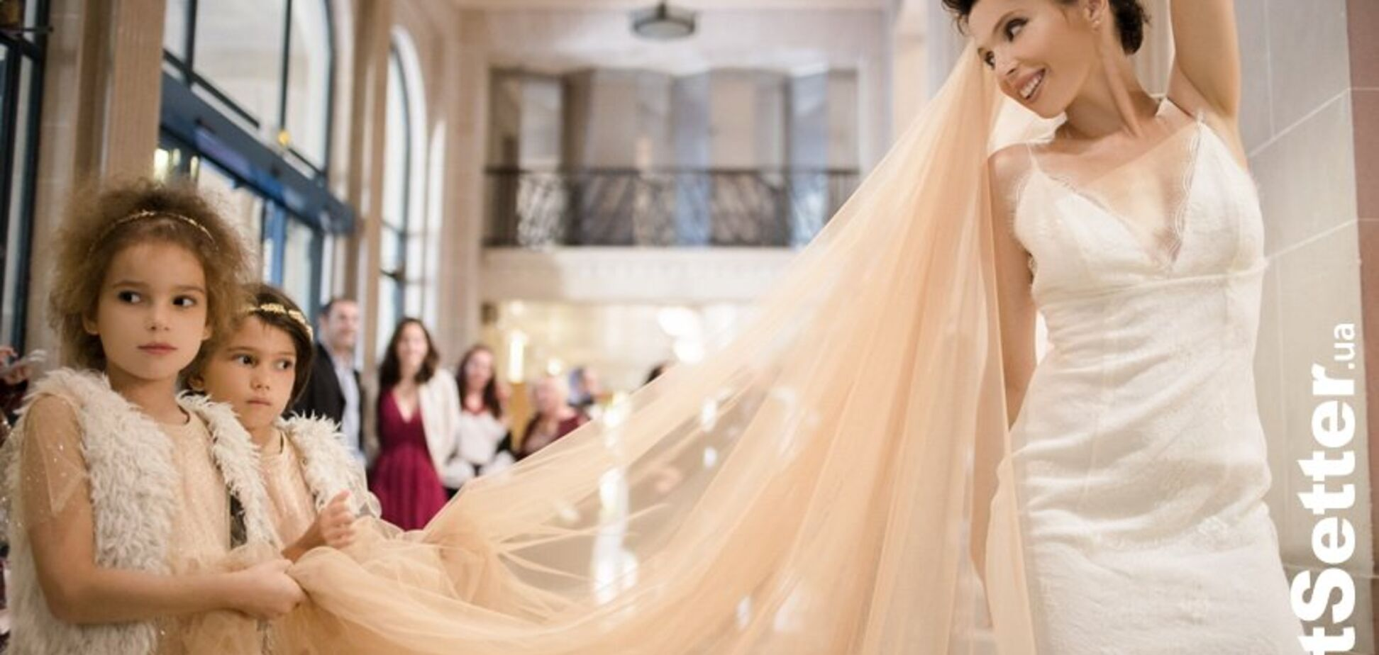 Відома українська письменниця вийшла заміж: зворушливі фото з весілля