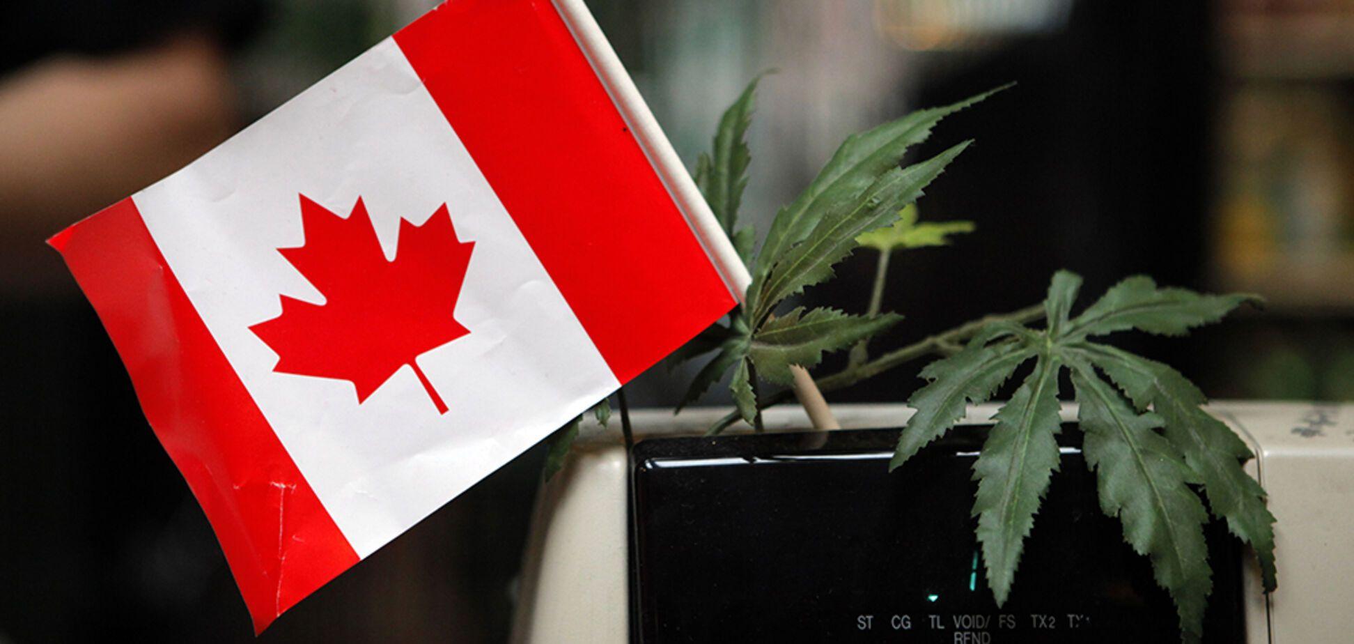 В Канаде разрешили проносить наркотики в самолет