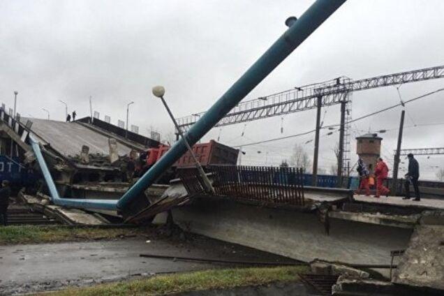 В России рухнул огромный ''мегамост'': опубликовано видео и фото