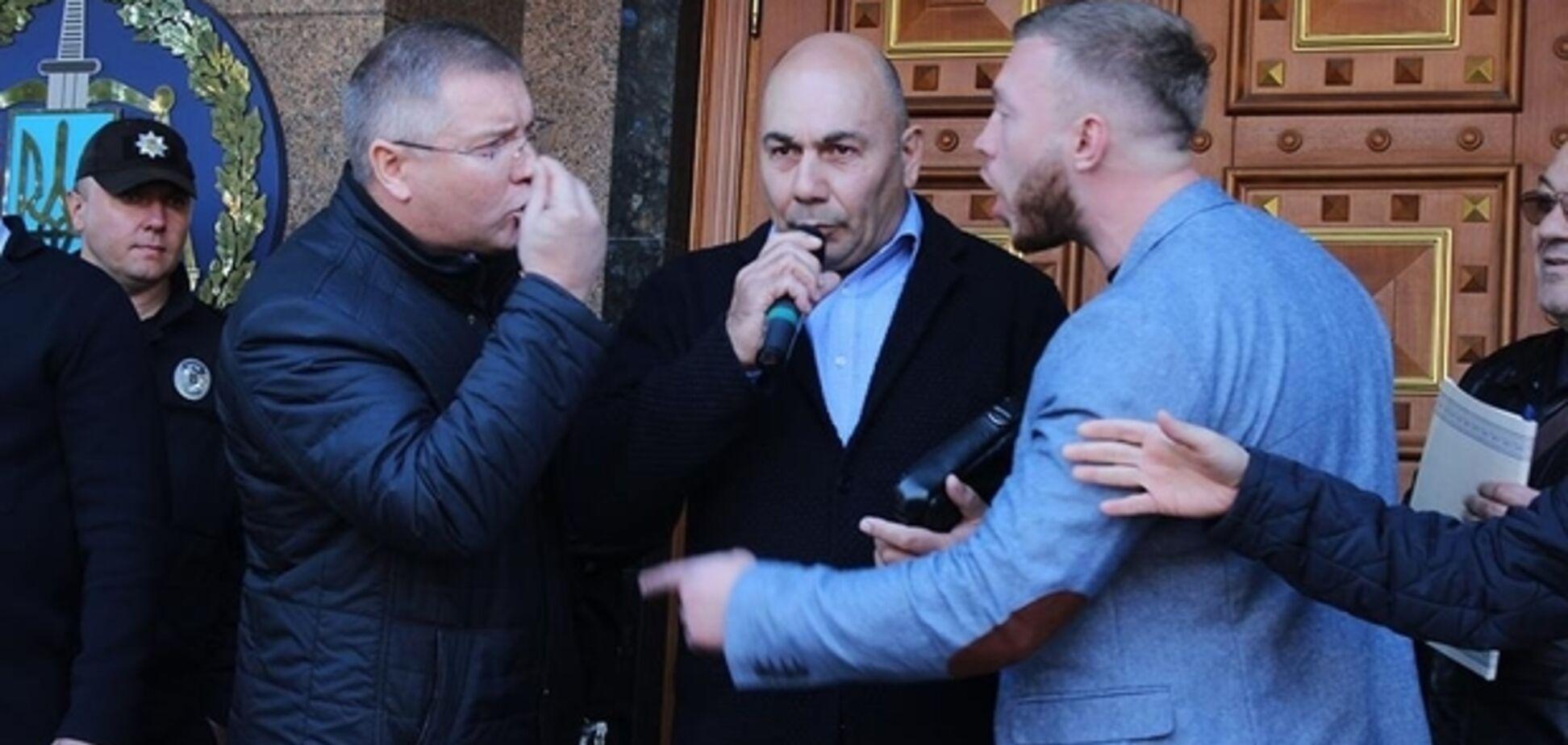 Хто за мера: спливли скандальні деталі про організаторів протестів у Черкасах