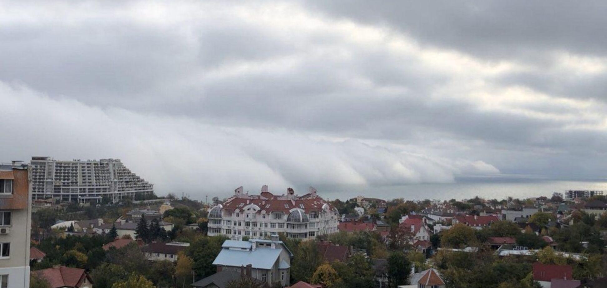 Туман в Одессе: опубликовано захватывающее видео