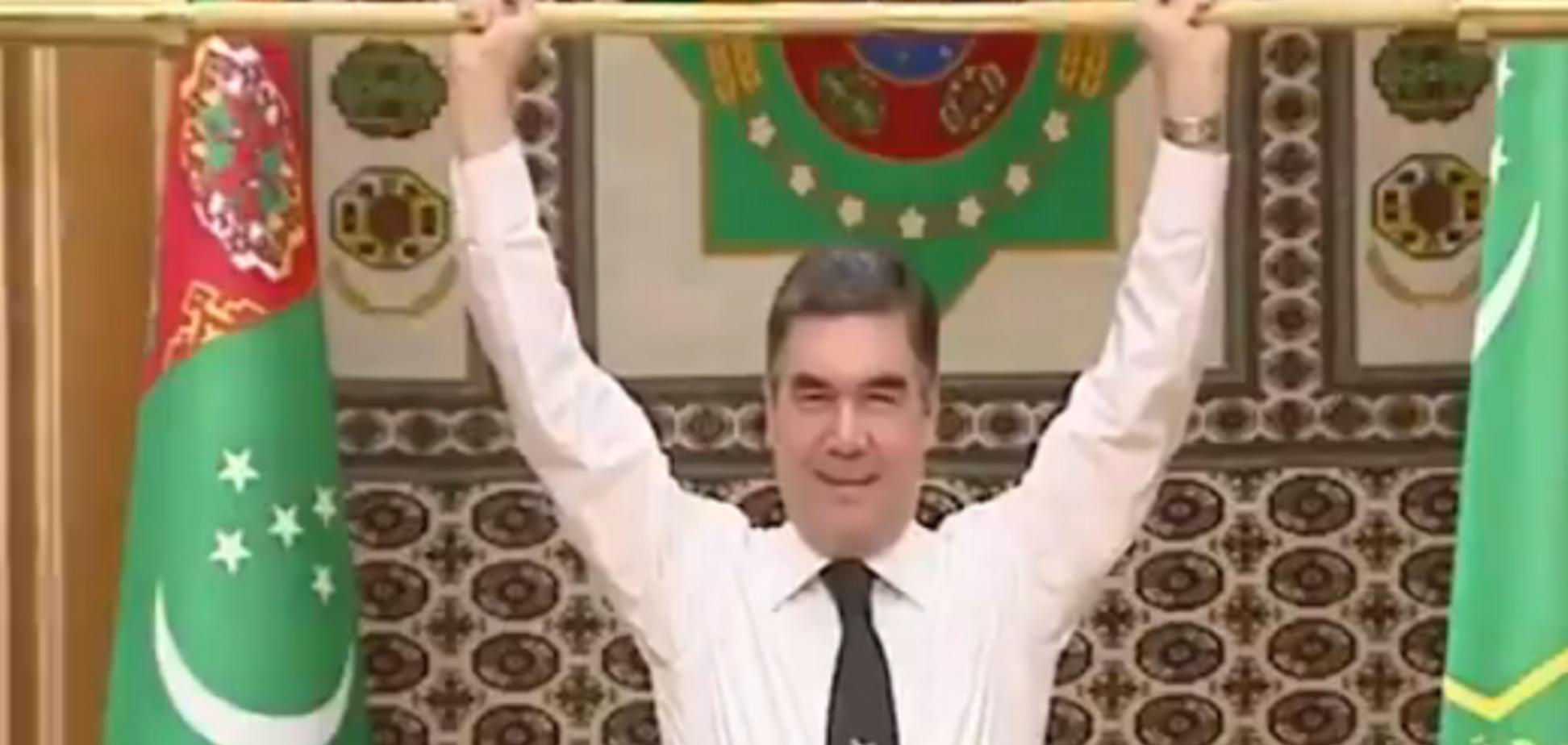 ''А Путін так може?'' Президент Туркменії здивував ''трюком'' із золотою штангою