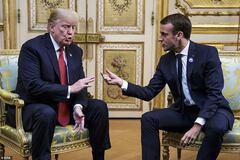 Поплескав по коліну: розсекречені подробиці переговорів Трампа і Макрона