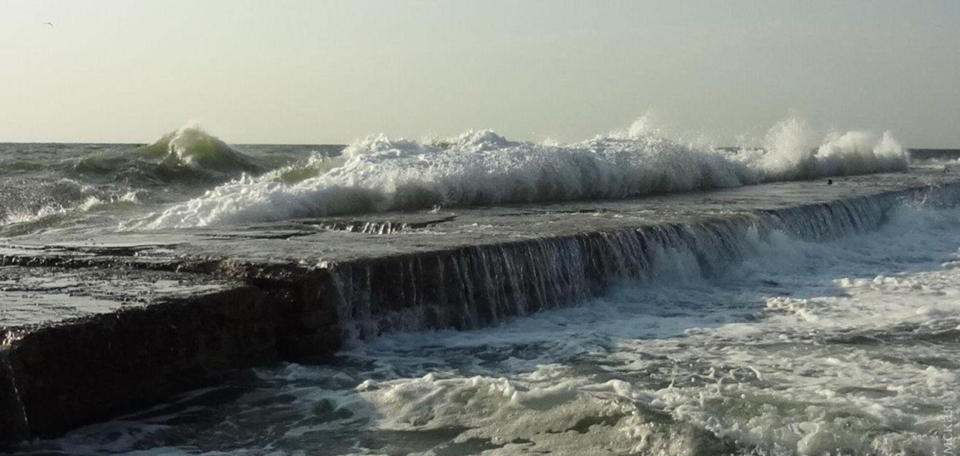 На пляжі Одеси сталася смертельна НП: що відомо