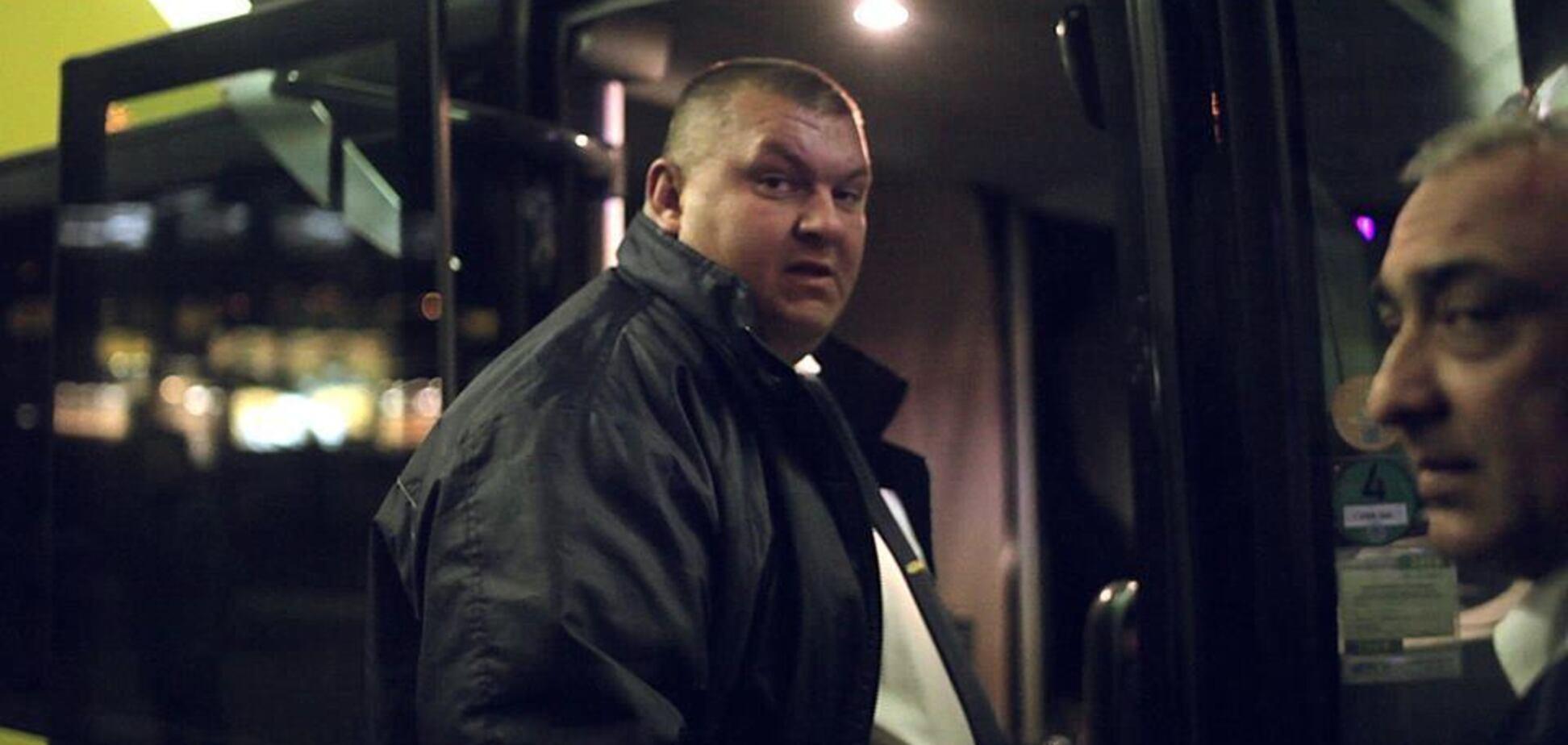 ''Затягнув за автобус і бив по голові'': подробиці нападу водія Ecolines на пасажира