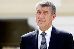 Наказав вивезти сина у Крим: навколо чеського прем'єра розгорівся скандал