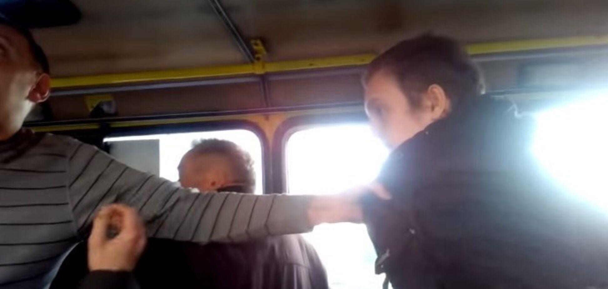 ''Ти убл**ок'': у Львові водій маршрутки накинувся на студента
