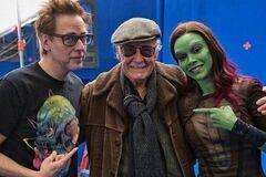 ''Спасибо за всех нас'': актеры и деятели Marvel трогательно почтили память Стэна Ли