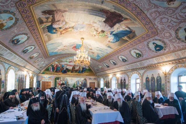 УПЦ МП розірвала відносини з Константинополем: всі подробиці