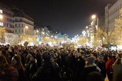 Скандал через Крим: у Празі тисячі людей вимагали відставки прем'єра. Фото і відео протестів