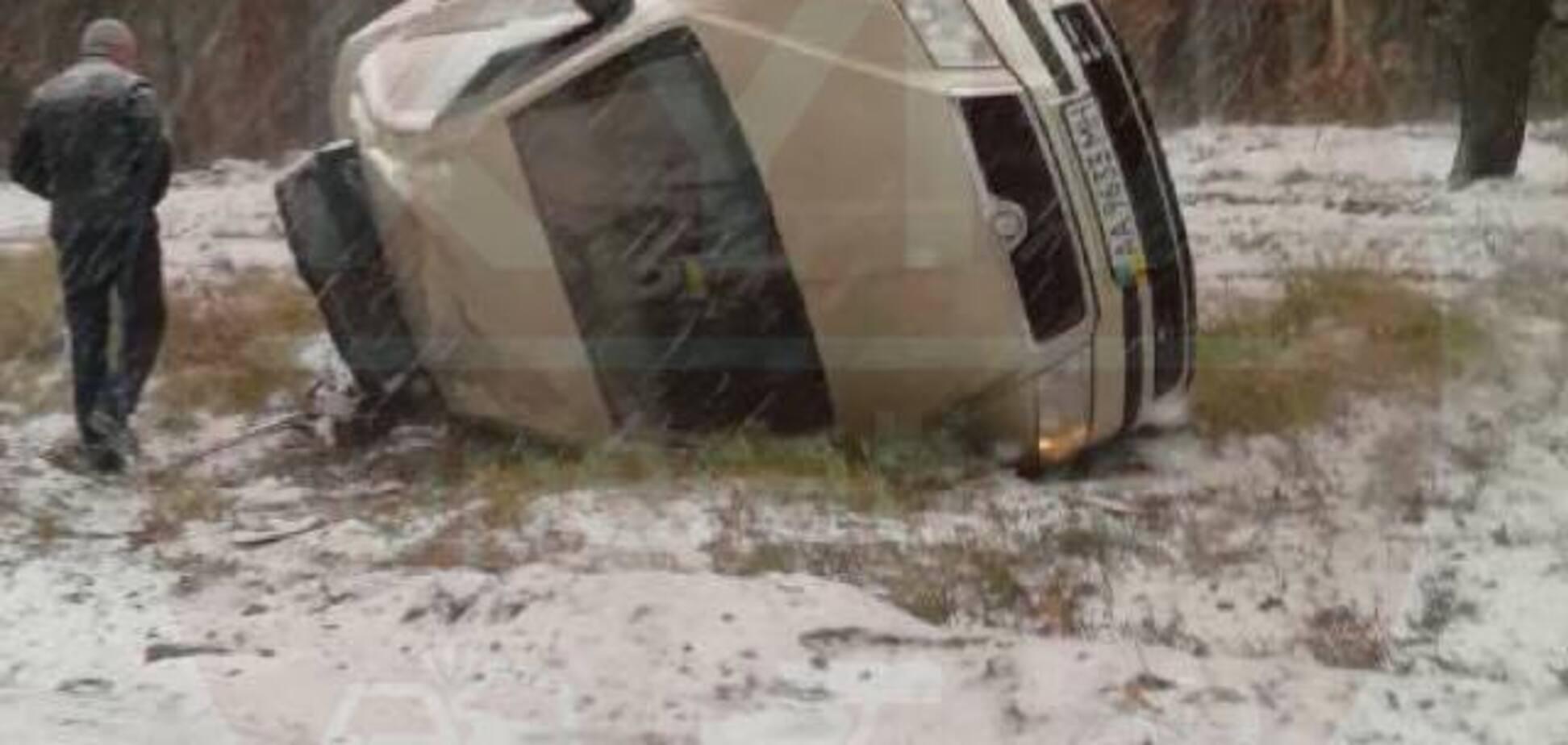 Майже 1400 ДТП і 11 загиблих: стало відомо про наслідки першого снігу в Україні